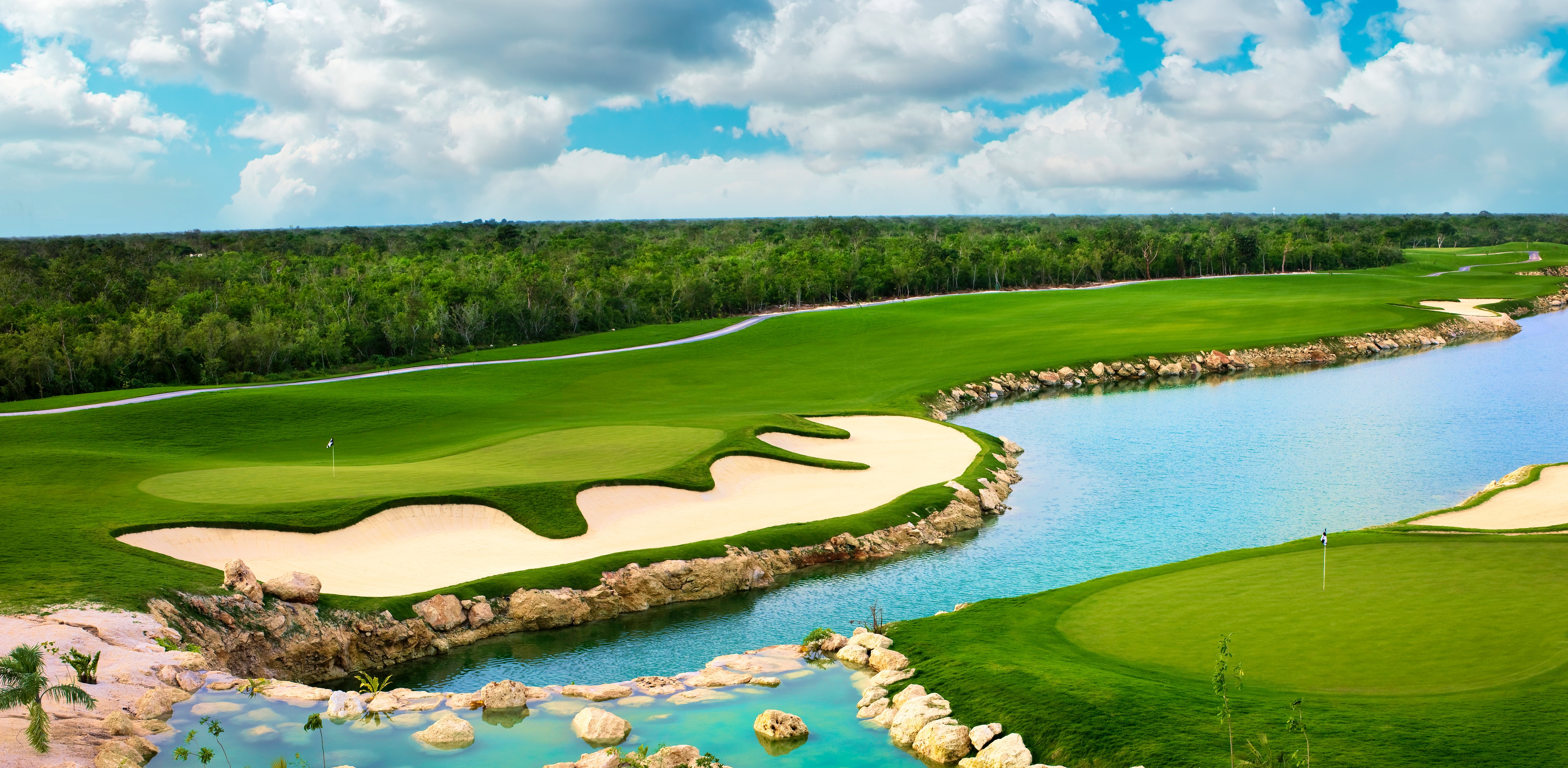 The jaguar golf course inside the Real state development, Yucatan Country Club.